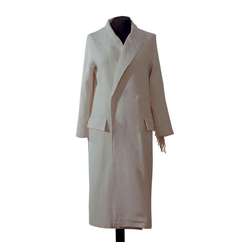 abrigo-blanco-roto-flecos-delante-soria-novias.