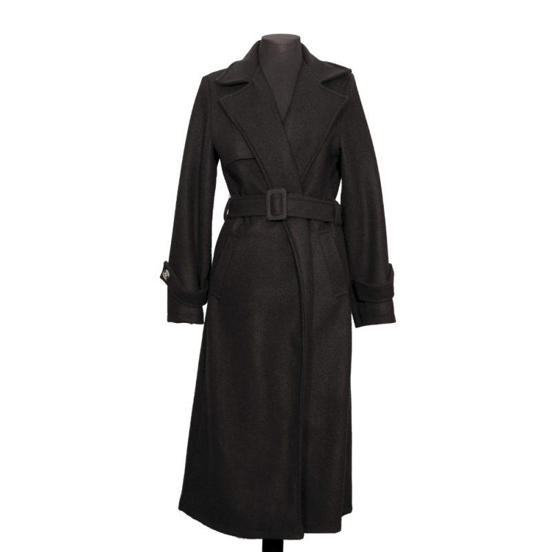 abrigo-pano-negro-delante-soria-novias