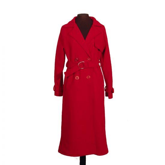 abrigo-rojo-pano-botones-delante-soria-novias