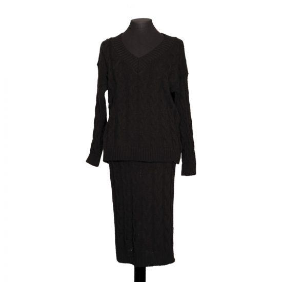 conjunto-falda-jersey-punto-negro-delante-soria-novias