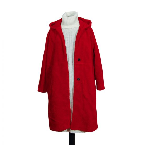 conjunto-vestido-blanco-canale-abrigo-rojo-vivo-soria-novias