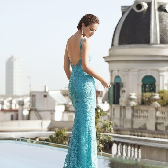 vestido-azul-turquesa-pedreria-5J160-detras-soria-novias