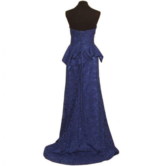 vestido-largo-encaje-azul-escote-corazon-pedreria-detras-soria-novias